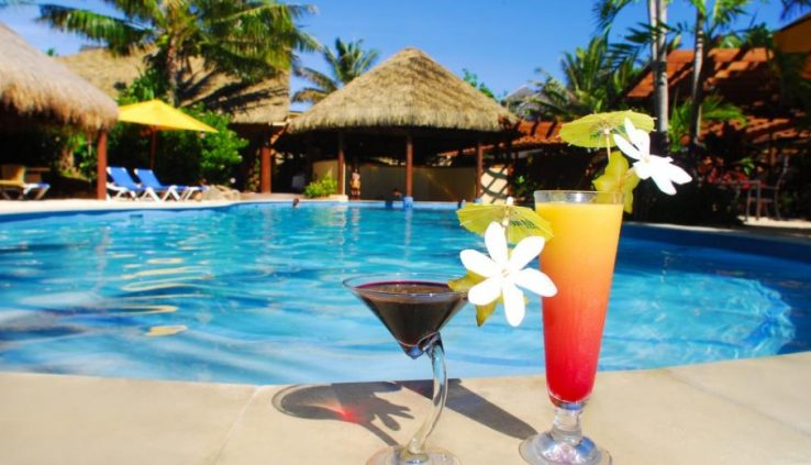 cold or hot drinks in swimming pool areas